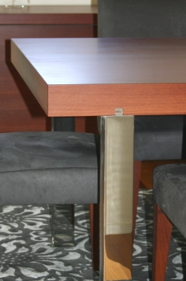 St Lucia House - dining table detail