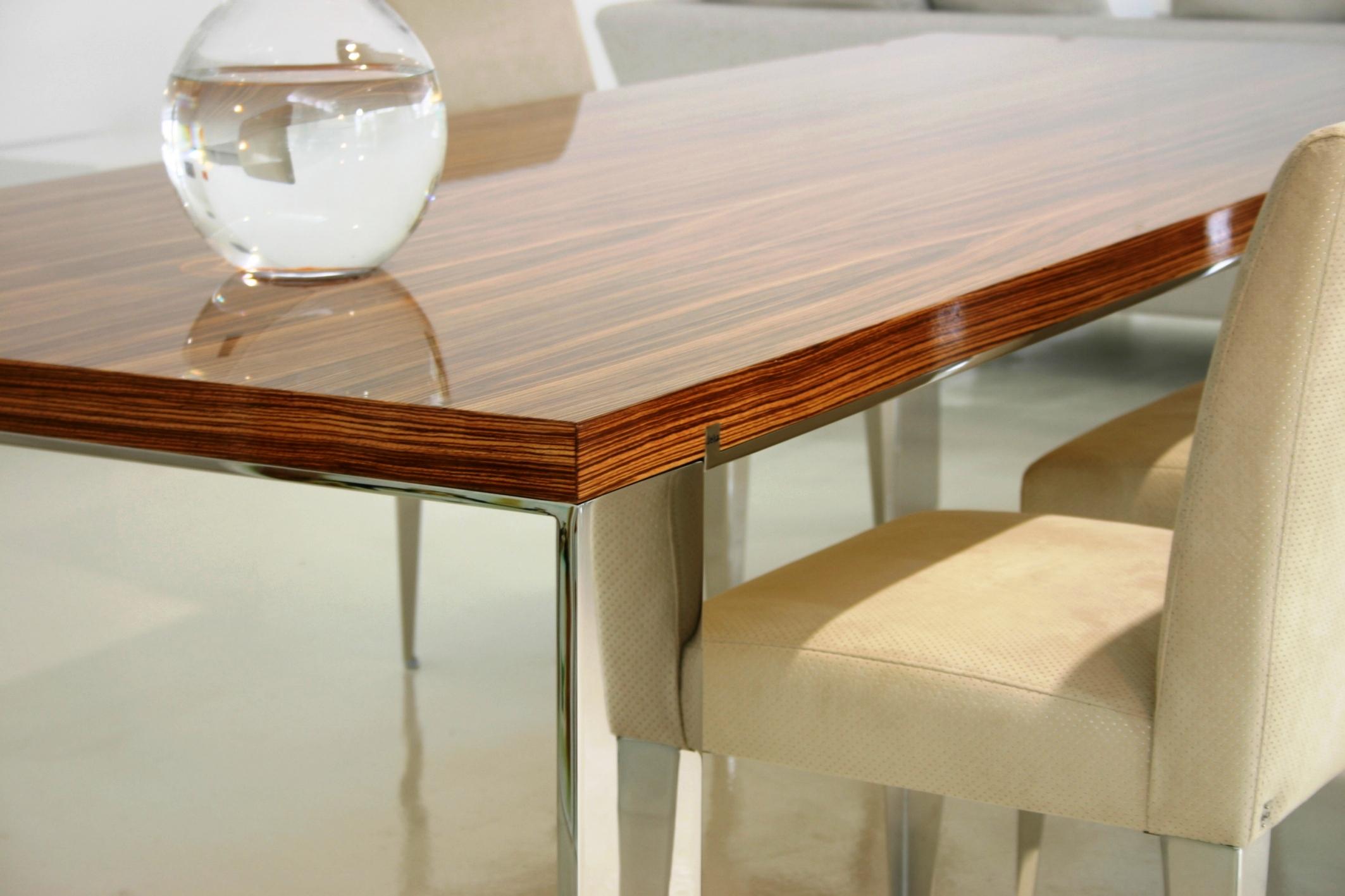 Pietari dining table