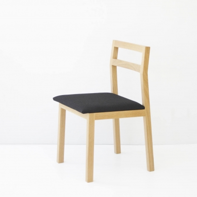 Kantti II chair with upholstered seat